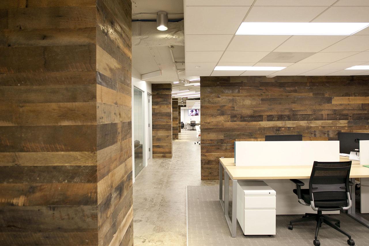 Suite 700 (Workstation / Corridor)